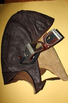 Aviation leather hat and goggles, 1930s