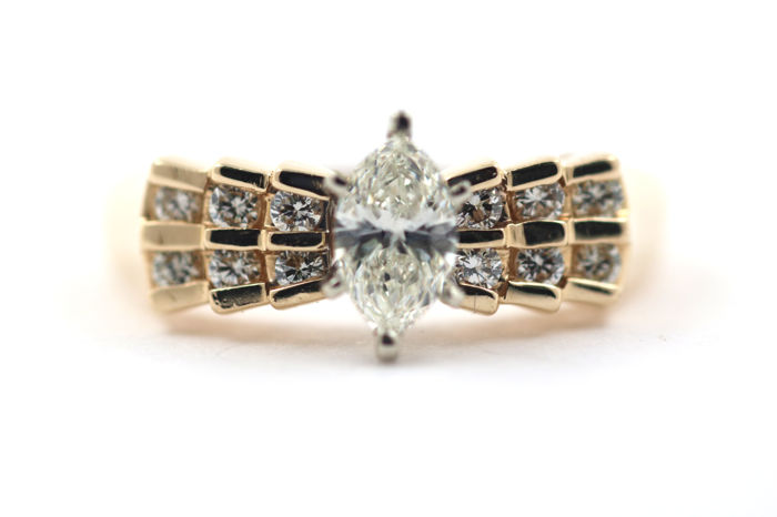 Ring made of 585 yellow gold with 0.80 ct of brilliants VVSI W - ring size: 55 mm