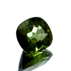 Green verdelite tourmaline - 2.28 ct  – No reserve price