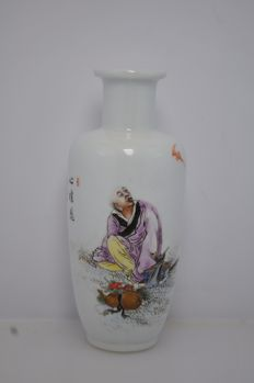 Porcelain vase - China - second half of 20th century