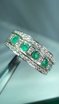 Vintage 14 K gold men's ring set with 5 emeralds and 50 diamonds, Low reserve