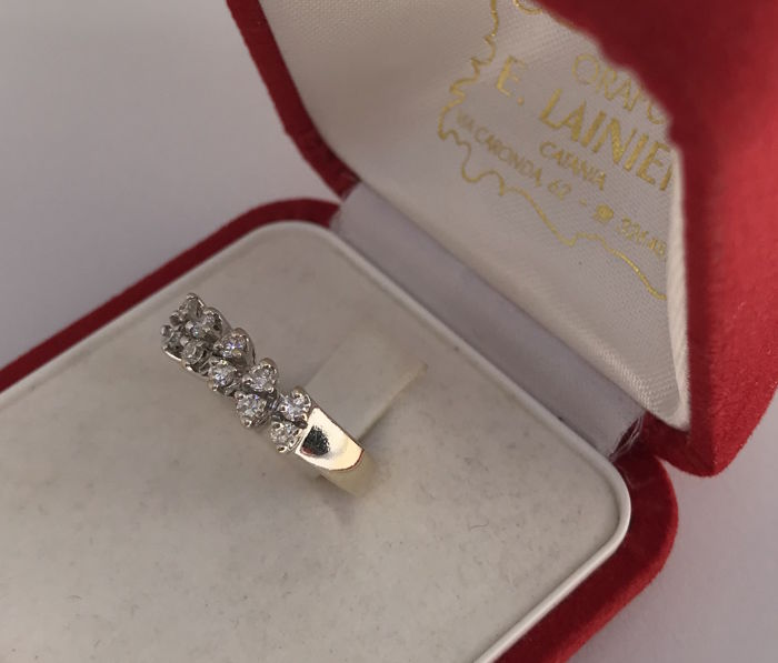 18 kt white gold ring with 0.20 ct diamonds 3.57 g Size 14