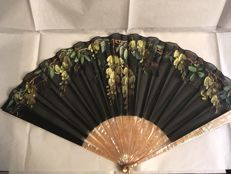 Hand painted fan in silk and mother of pearl, France, early 1900s, by Alouise Van De Voorde, with original case