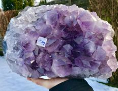 Beautiful large piece of Amethyst with big points and inclusion of Hematite points - 28 x 21 x 13 cm - 11,600 g