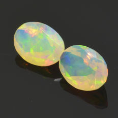 Two Opals - 1.51 ct (total) - No Reserve Price