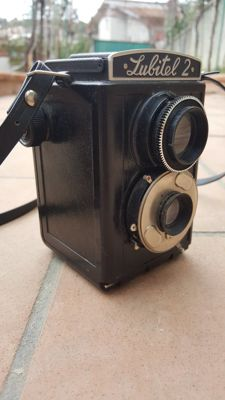 Rare vintage camera in perfect condition - WORKING - with original case
