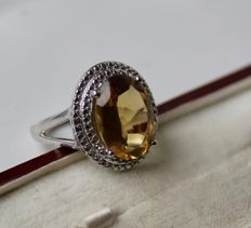 Vintage Sterling silver Ring with oval facetted Citrine 5Ct. (14x10.2mm)