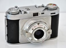 c1952  WIRGIN  'Edixa II'  35mm Rangefinder Camera with Mini-Tripod.