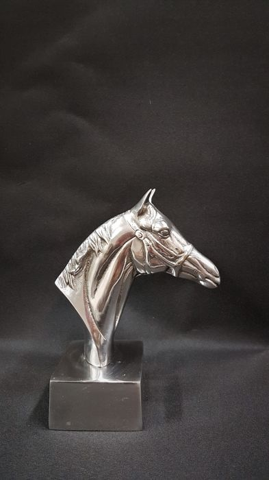 Horse head on aluminium stand - bust