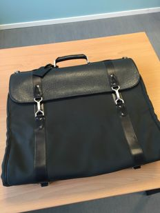 Louis Vuitton - Bicolor Taiga garment bag