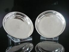Pair of Silver Circular Dishes, Chester 1918, Stokes & Ireland Ltd