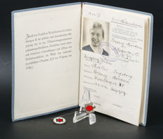 German League of the Reich for Physical Exercise (DRL) pins and membership card booklet on name & photo (43)