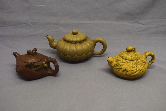 Modern teapots from Yixing - China - late 20th century