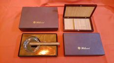 Lot for smokers: solid wood box in mahogany colour for cigarettes plus ashtray for a cigar