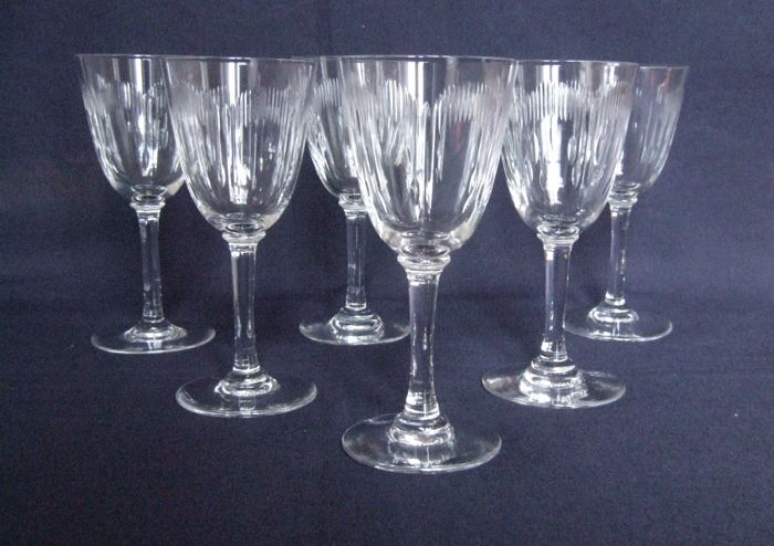 Baccarat France - 6 white wine or port glasses in cut crystal - model Molière circa 1900