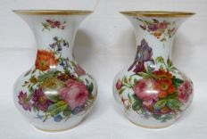 Baccarat France - Pair of tall opaline crystal painted vases  - 24,5cm - circa 1860