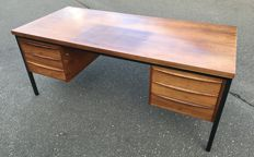 Manufacturer unknown - large rosewood desk in typical 'Scandinavian Design' style.