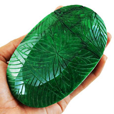 Masterpiece Green Emerald Flower Carved - 113x70x50 mm - 643 gms