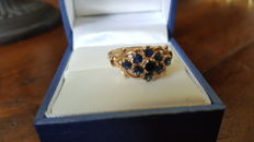 Art Deco ring set with 9 blue sapphires