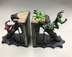 Spider-man Vs Green Goblin - Death Of Gwen Stacy -  Bookends / Statue