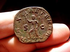 Roman Empire - Gordian III (238-244 A.D.) bronze sestertius (18,71 g. 27 mm) minted in Rome, A.D 240. PAX AETERNA.