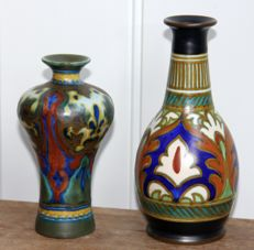 Plateelbakkerij Zuid-Holland Gouda - Two nice and intact vases