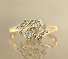 18 kt bi-colour gold ring set with Bolshevik and rose cut diamonds, approx. 0.15 carat in total
