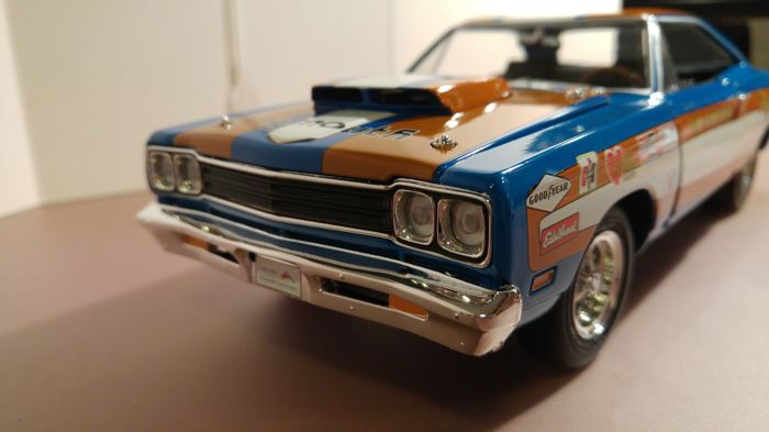 Ertl-Auto World - Scale 1/18 - Plymouth Road Runner Don Grotheer 1969
