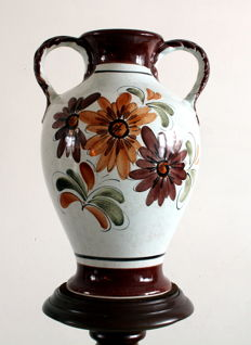 Large 1950s/1960s flower vase with a floral depiction, marked with a serial number