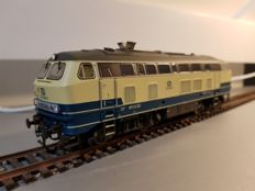 ESU H0 - 31021 - Diesel locomotive BR 215 of the DB
