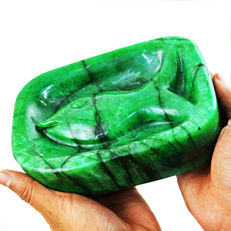 Masterpiece Green Emerald Fish Carved - 165x110x70 mm - 2.65 Kg