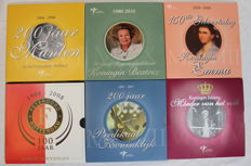 Netherlands - Themed sets with Euro coins 2004/2010 + medal (5 different pieces) + Anniversary set 100 years Feyenoord.