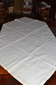 Thick cotton embroidered tablecloth