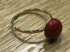 Cocktail ring made of 18 kt Gold with Mediterranean Coral - Hand Made - Universal Size 18 (Spain)