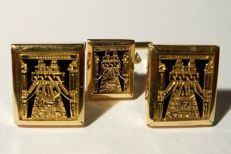 18 carat gold vintage set of cuff links and tie-pin, from Bolivia