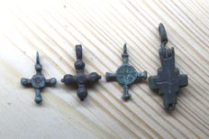 Medieval bronze cross pendants  -24,26,26,41  mm (4 items)