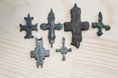Medieval bronze cross pendants - 24,25,26,31,41,46 mm (6 items)