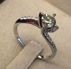 Solitaire with diamonds of 0.72 ct - Size –55/17.5