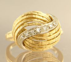 18 kt bi-colour gold retro ring set with 7 single cut diamonds, approx. 0.05 ct, ring size 16.5 (52)