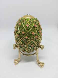 Beautiful Green with Pink Flowered Enamel Decorative FABERGE Egg