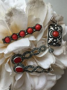 Vintage silver Parure Red coral and Marcasite brooch/earrings and pendant/good condition/10.5 g