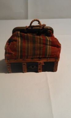 Travel bag for dolls, early 20th century, France