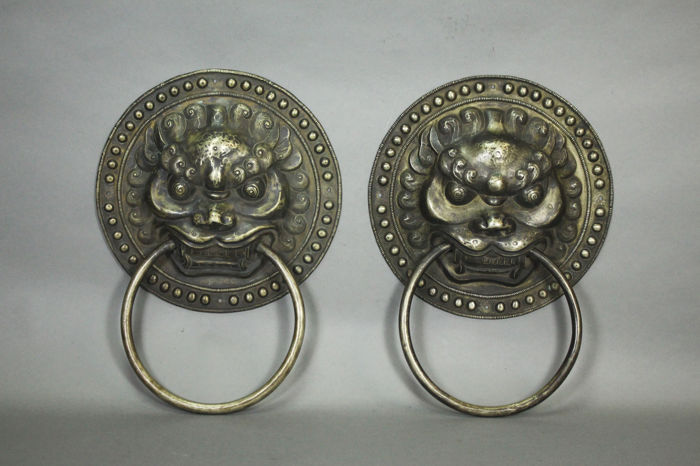 A pair of door handles - China - 21st century (33,5 cm)