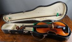 "Violin 3/4 with label ""Copy of Antonius Stradivarius Cremonensis faciebat Cremona 1713"" - Western Germany"