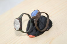 Medieval bronze rings with white and blue stones - D21,22 mm (2)