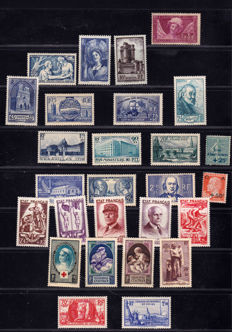 France 1927/1943 – Selection of 27 stamps – Yvert between no. 248 and 580