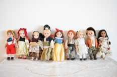 Nine Porcelain dolls from well known fairy tales. France, 1990's. 20X10 cm