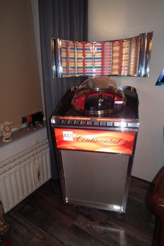 Jukebox Ami Continental 2, 200 selections with 100 singles from the 1960s in perfect condition, playing and selection wonderfully, Retro model from 1985