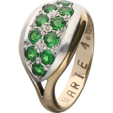 14 kt - Bi-colour ring set with 10 brilliant cut synthetic green stars - Ring size: 18 mm