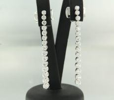 LEO PIZZO -18 kt white gold dangle earrings set with 30 brilliant cut diamonds, approx. 2.00 carat in total